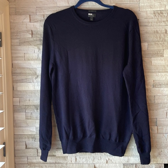 J Crew men's slim cut merino wool sweater
